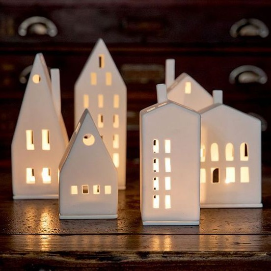 TEA LIGHT HOUSES