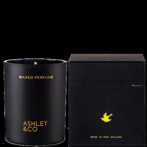 ASHLEY & CO TUI & KAHILI CANDLE